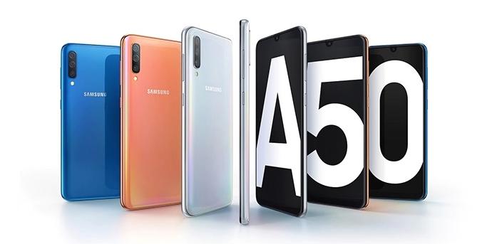 Samsung Galaxy A50 lifestyle